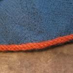 Meine neue Mütze aus blauem Diamantköper-Wollstoff (Detail)